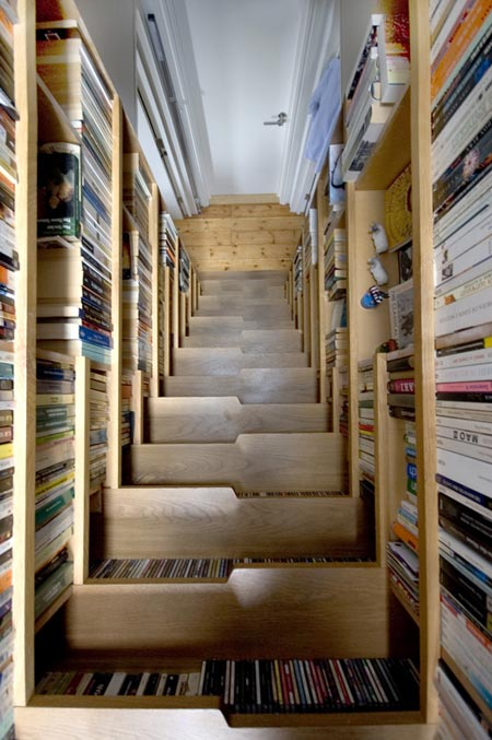 bokshelf staircase - view from above